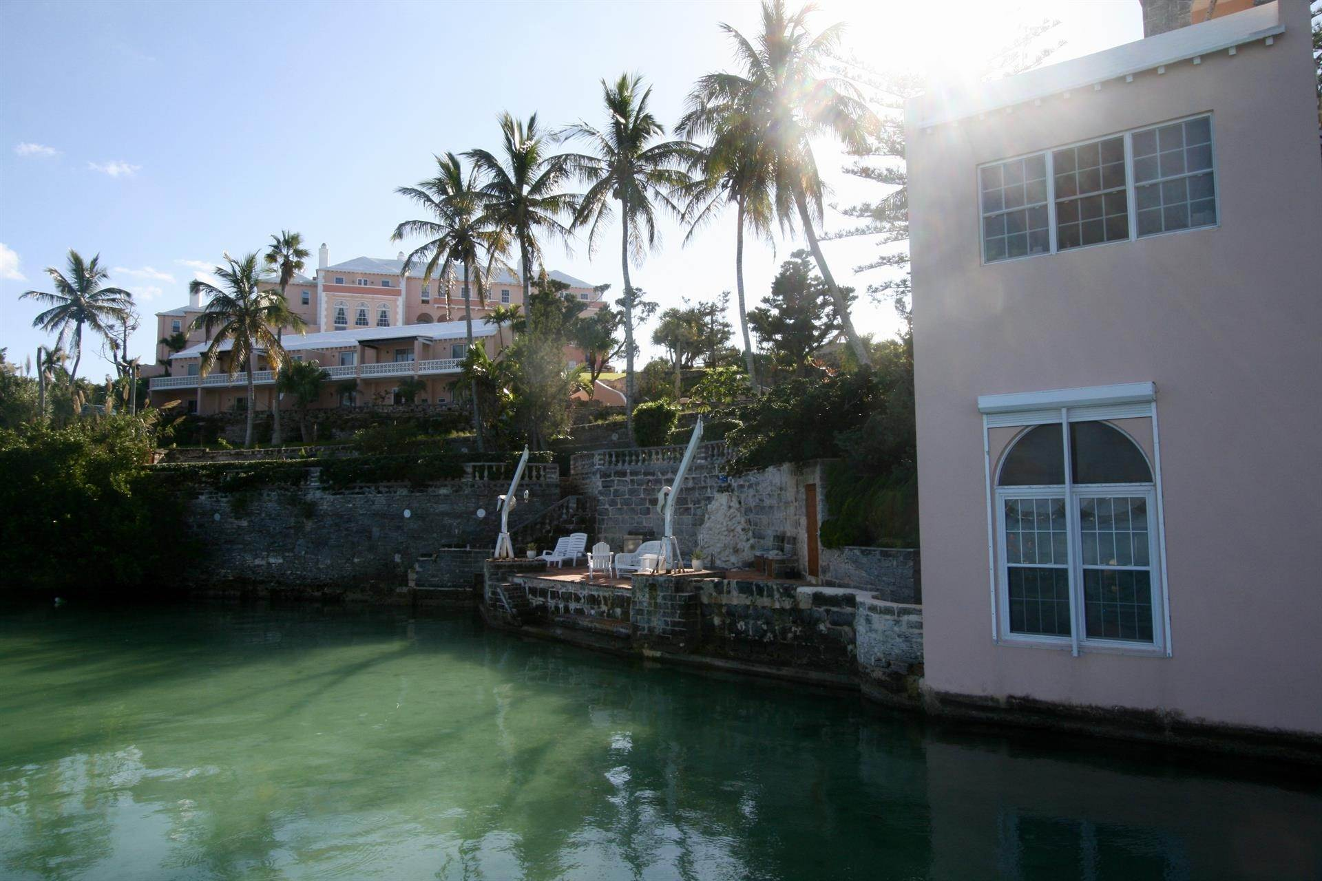 6. Condominiums のために 売買 アット The Boat House On Harrington Sound The Boat House On Harrington Sound, 7 Harrington Sound Road,Bermuda – Sinclair Realty