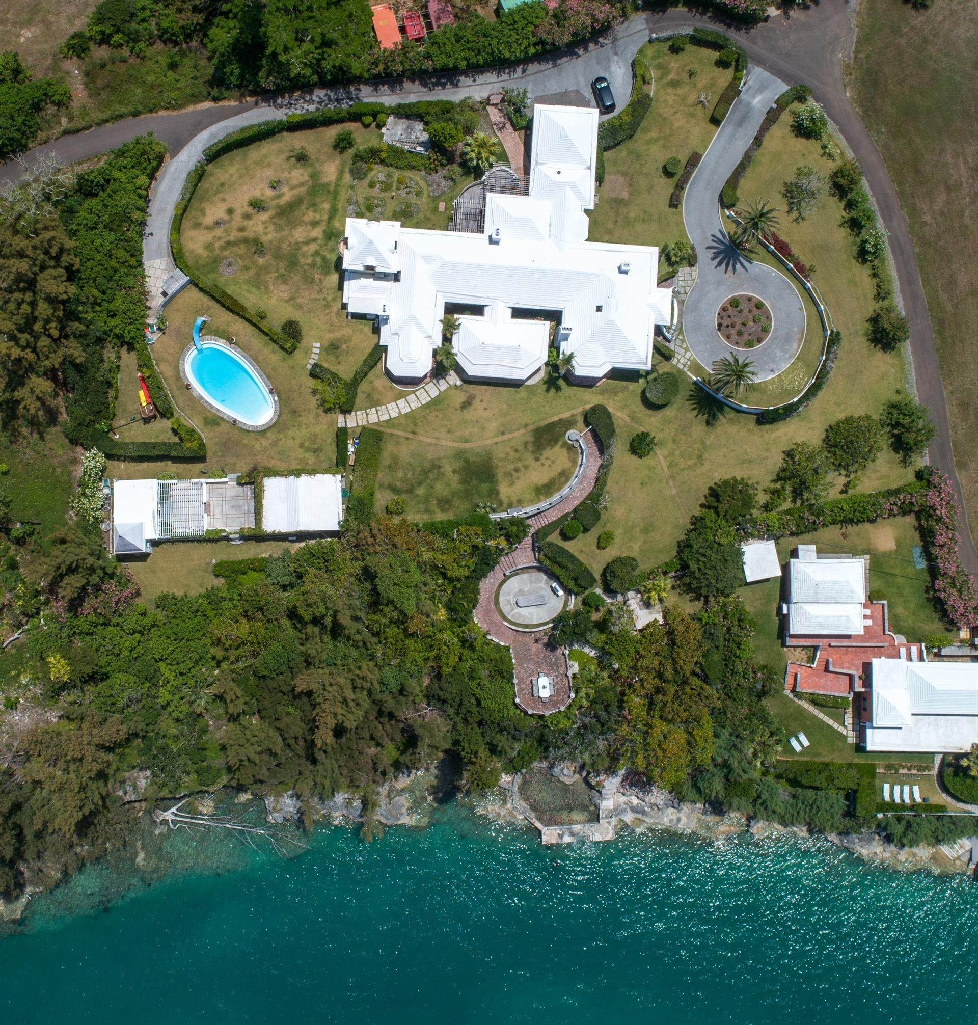 38. Vid Vattnet för Försäljning vid Heron Hill On The Great Sound Heron Hill On The Great Sound, 31 Riddell's Bay Road,Bermuda – Sinclair Realty