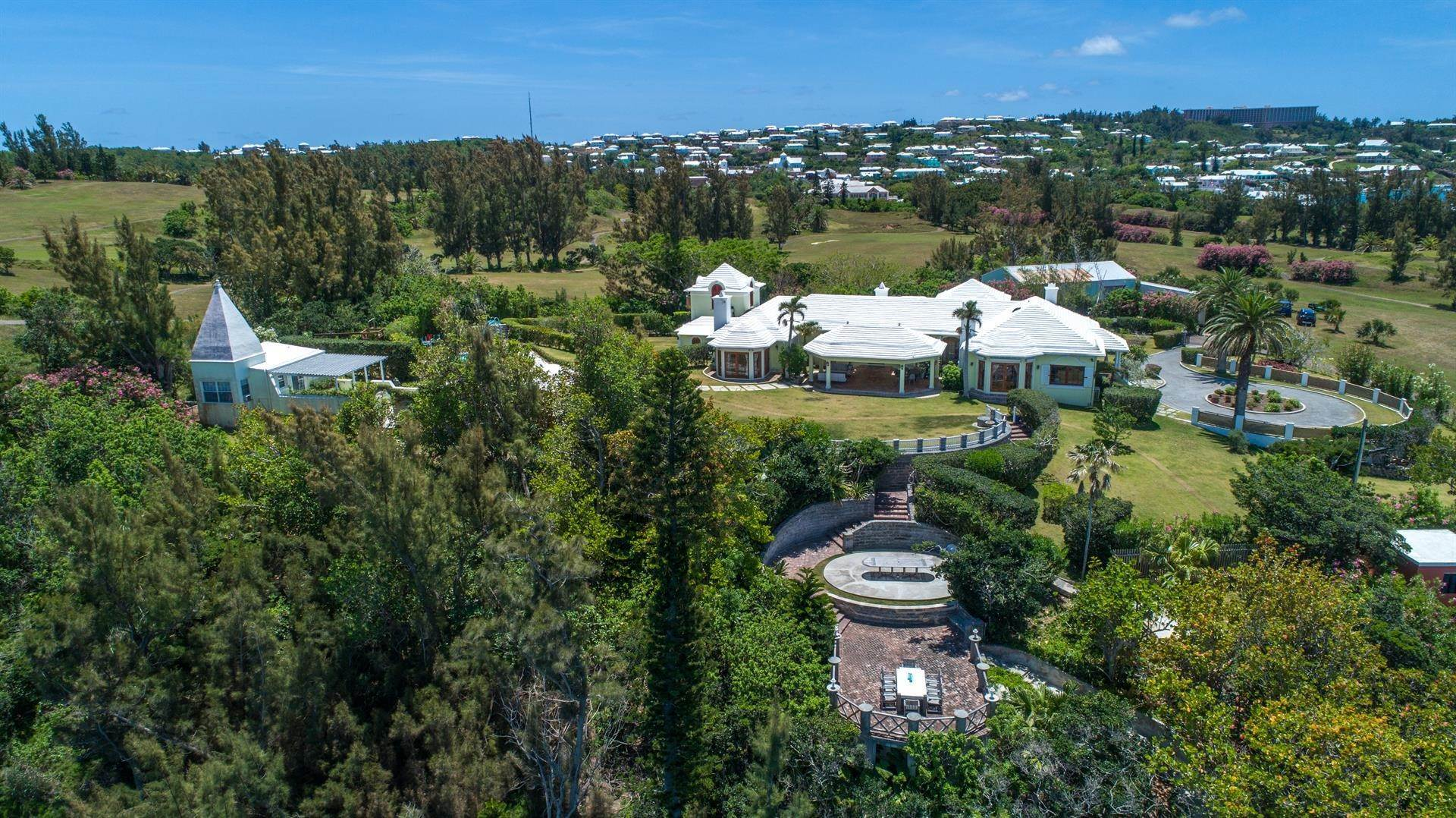 3. Vid Vattnet för Försäljning vid Heron Hill On The Great Sound Heron Hill On The Great Sound, 31 Riddell's Bay Road,Bermuda – Sinclair Realty