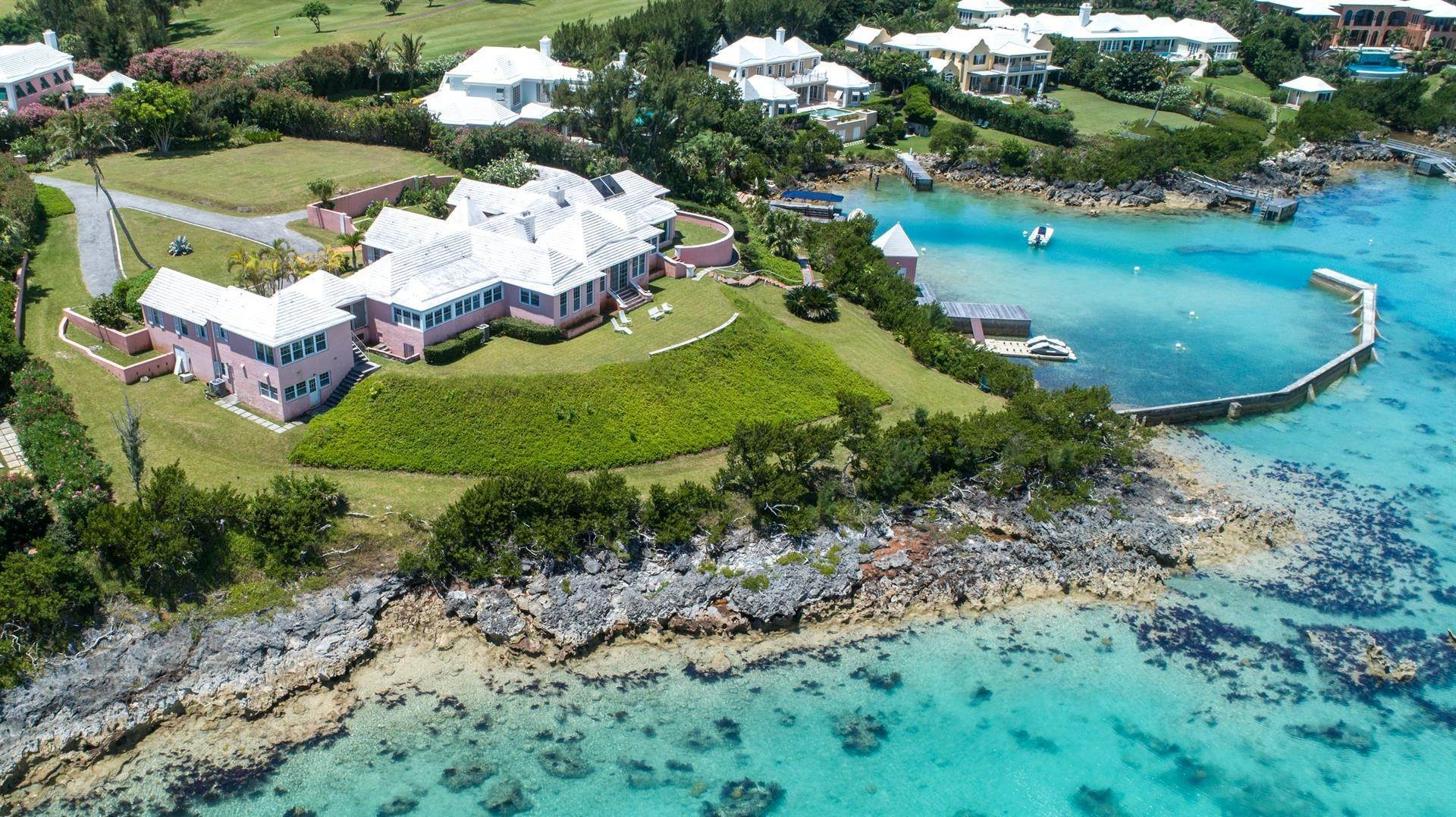 4. Propiedad con frente por un Venta en At Last in Tucker's Town At Last in Tucker's Town, ,Bermuda – Sinclair Realty