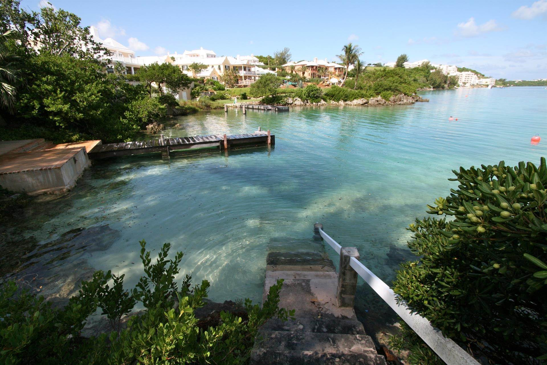16. Propiedad con frente por un Venta en At Last in Tucker's Town At Last in Tucker's Town, ,Bermuda – Sinclair Realty