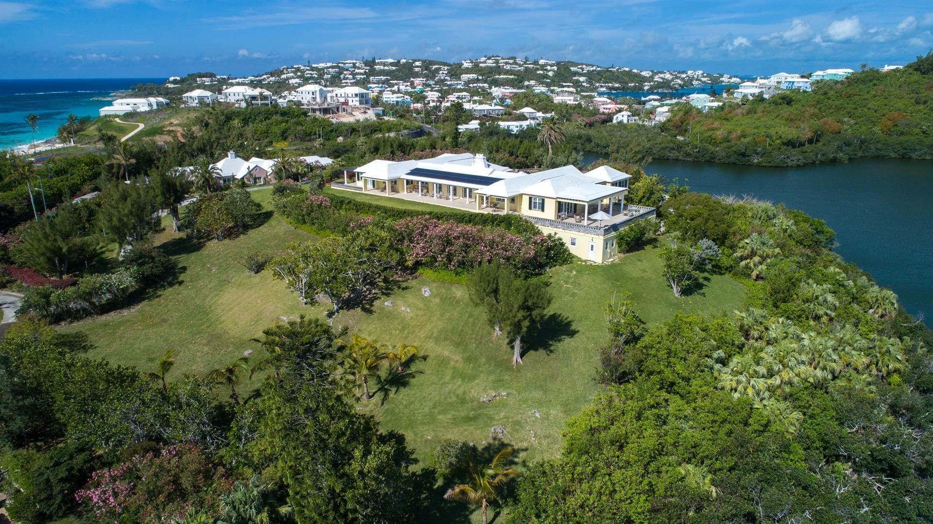 18. Single Family Homes для того Продажа на Caper Collis In Tucker's Town Caper Collis In Tucker's Town, 3 South Road,Bermuda – Sinclair Realty