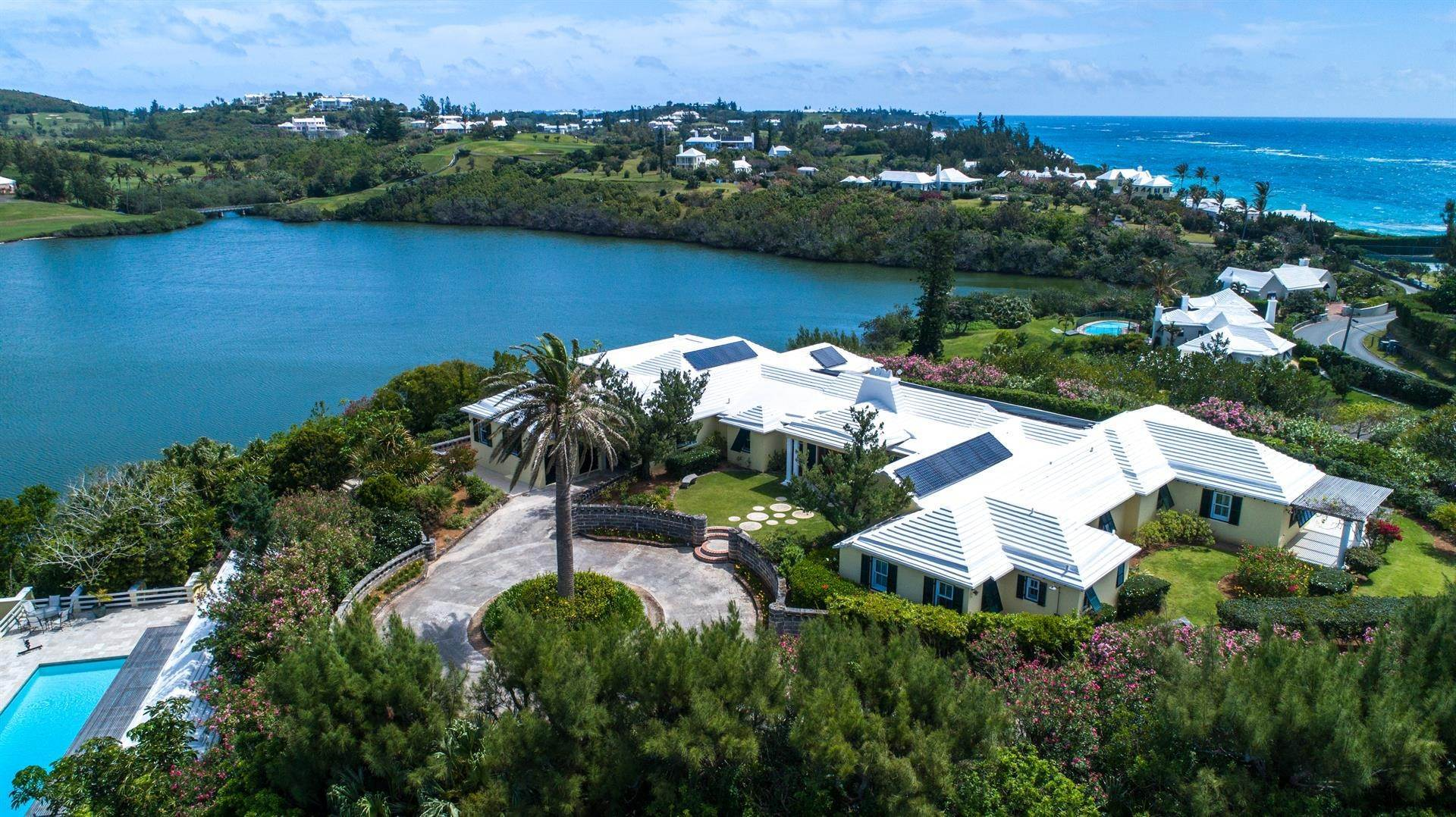 16. Single Family Homes для того Продажа на Caper Collis In Tucker's Town Caper Collis In Tucker's Town, 3 South Road,Bermuda – Sinclair Realty