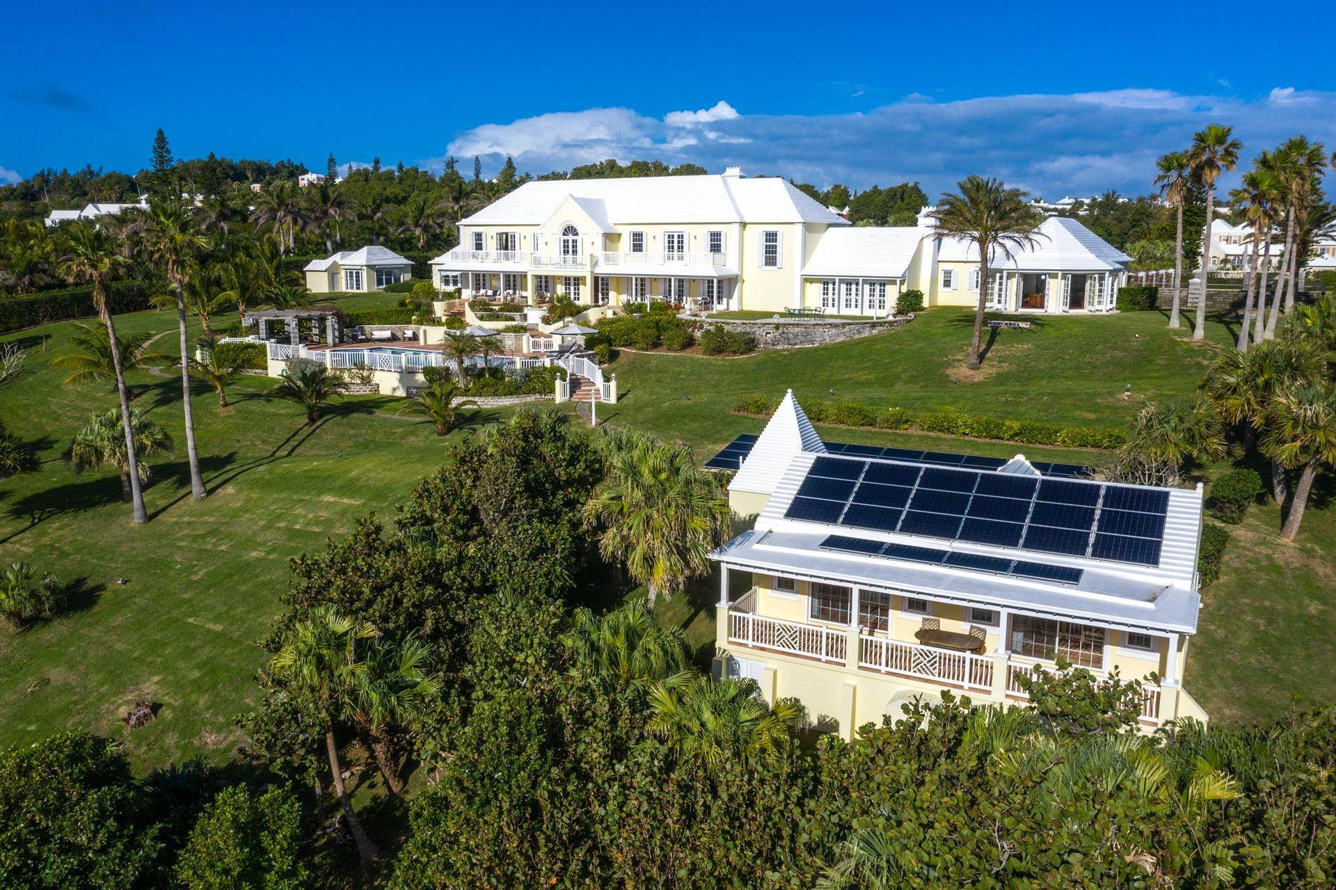 33. Waterfront Property for Sale at Agapanthus On Grape Bay Agapanthus On Grape Bay, 11 Inglewood Lane,Bermuda – Sinclair Realty