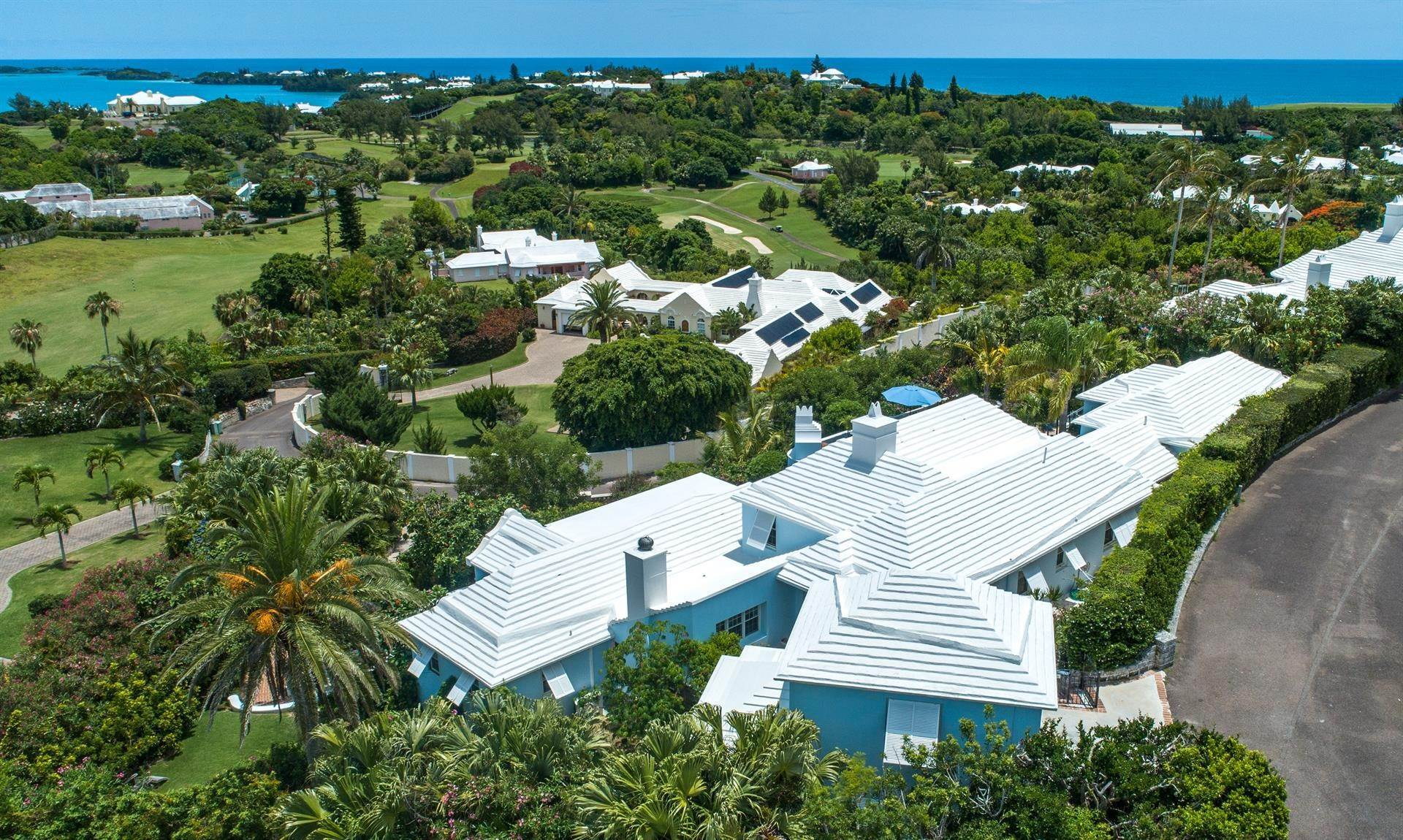 2. Single Family Homes για την Πώληση στο Tobermory In Tucker's Town Tobermory In Tucker's Town, ,Bermuda – Sinclair Realty