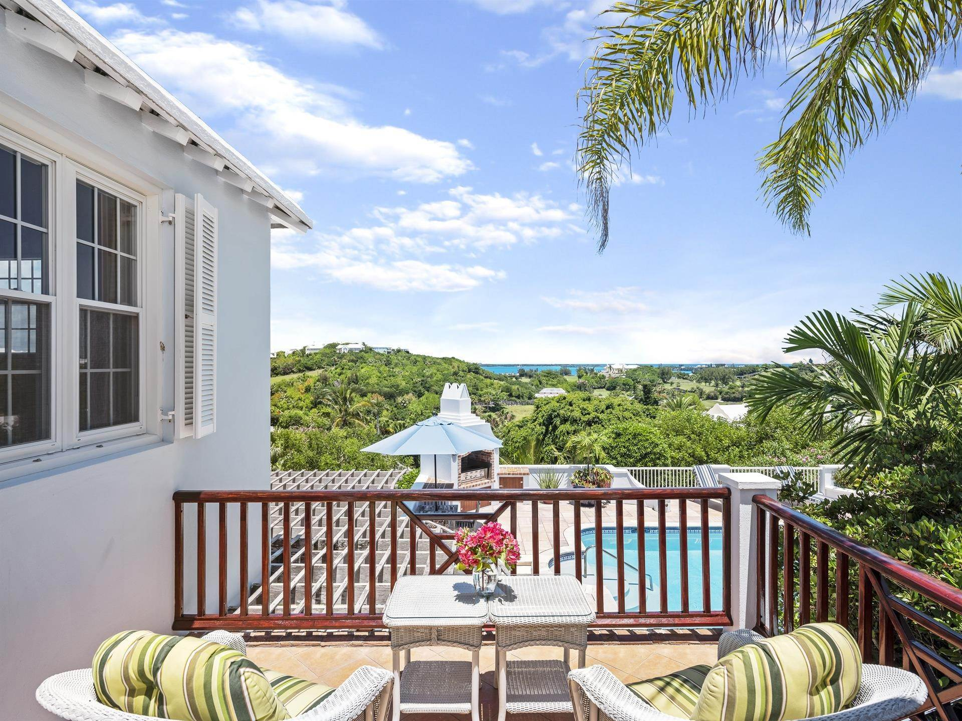 14. Single Family Homes 为 销售 在 Tobermory In Tucker's Town Tobermory In Tucker's Town, ,Bermuda – Sinclair Realty
