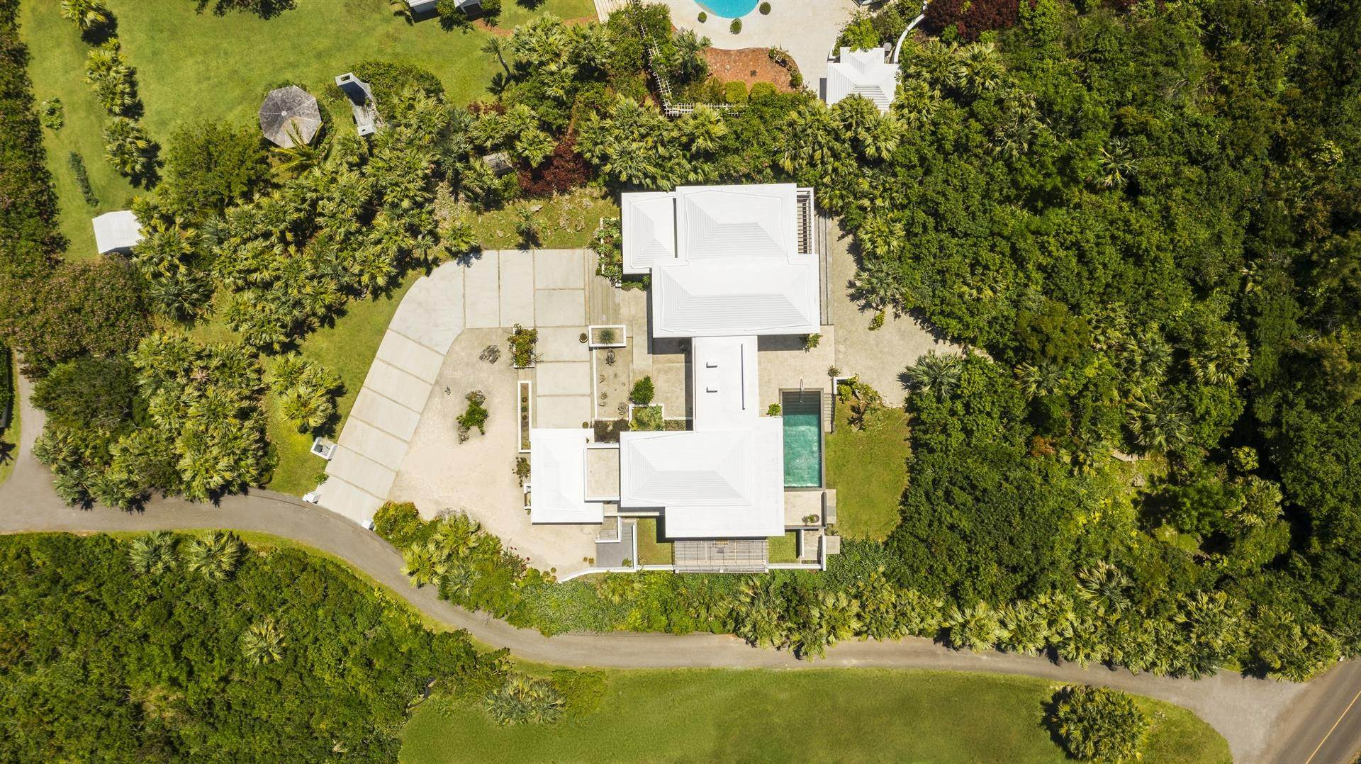 25. Single Family Homes 为 销售 在 Georgetown - Bermuda's Modern House Georgetown - Bermuda's Modern House, 50A Harrington Sound Road,Bermuda – Sinclair Realty