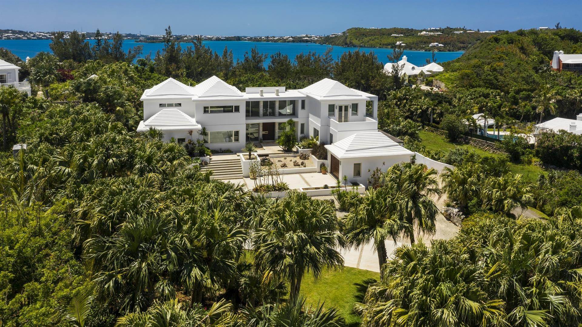 3. Single Family Homes 为 销售 在 Georgetown - Bermuda's Modern House Georgetown - Bermuda's Modern House, 50A Harrington Sound Road,Bermuda – Sinclair Realty