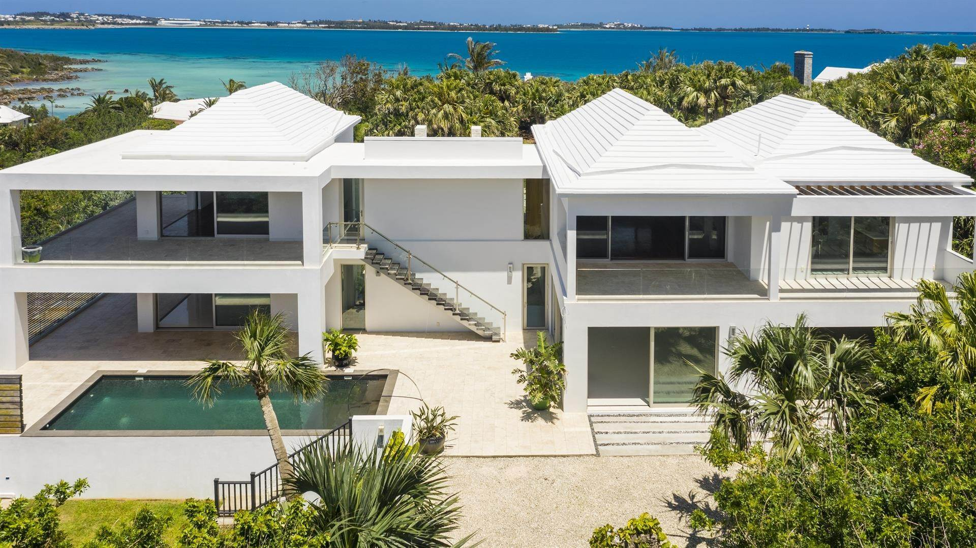 2. Single Family Homes 为 销售 在 Georgetown - Bermuda's Modern House Georgetown - Bermuda's Modern House, 50A Harrington Sound Road,Bermuda – Sinclair Realty