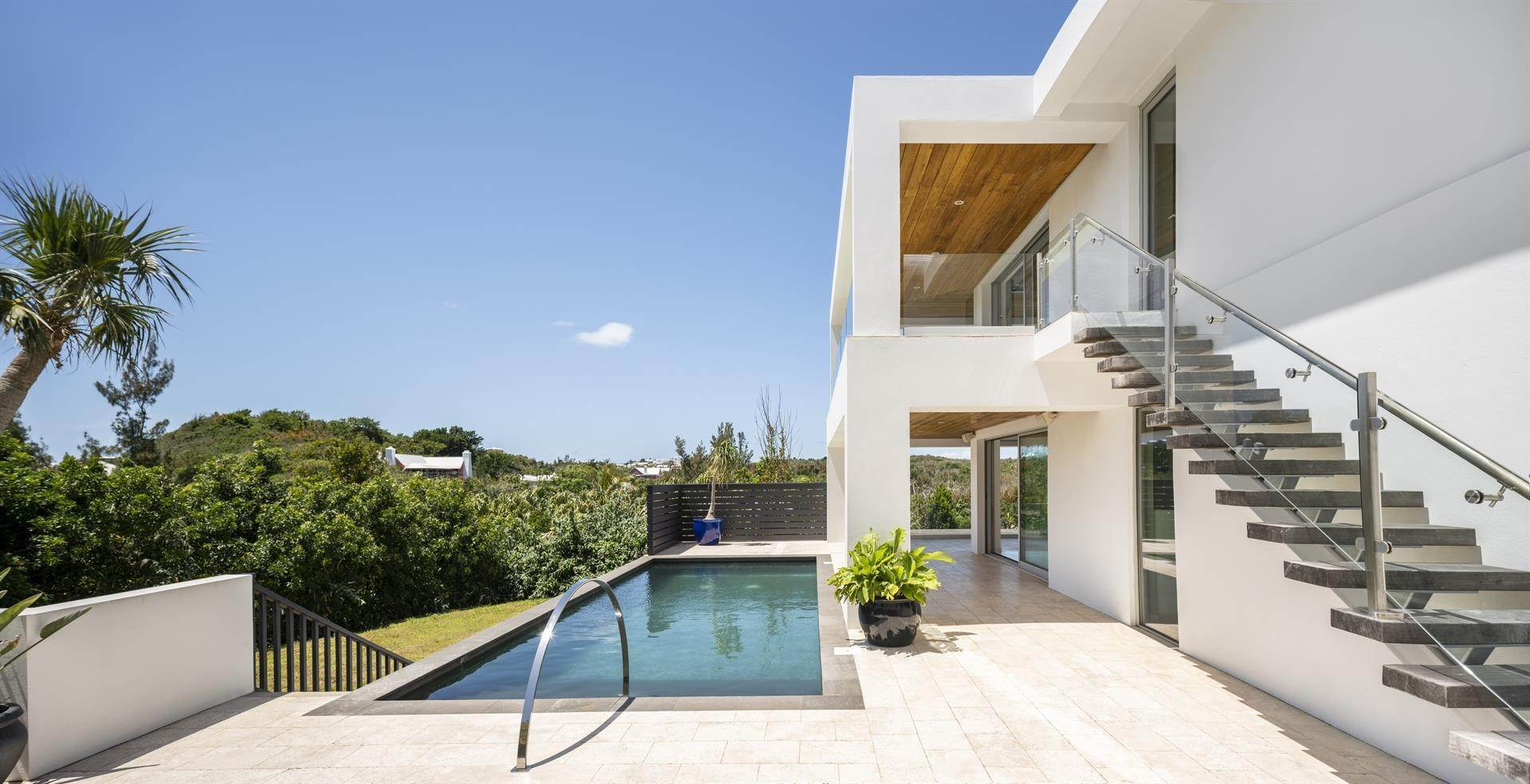12. Single Family Homes 为 销售 在 Georgetown - Bermuda's Modern House Georgetown - Bermuda's Modern House, 50A Harrington Sound Road,Bermuda – Sinclair Realty