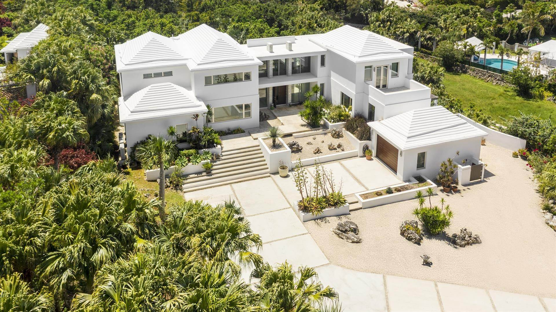 4. Single Family Homes 为 销售 在 Georgetown - Bermuda's Modern House Georgetown - Bermuda's Modern House, 50A Harrington Sound Road,Bermuda – Sinclair Realty