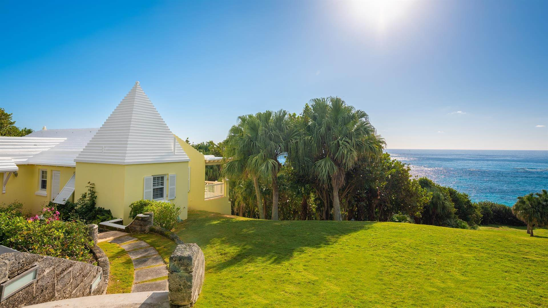 35. Waterfront Property for Sale at Agapanthus On Grape Bay Agapanthus On Grape Bay, 11 Inglewood Lane,Bermuda – Sinclair Realty