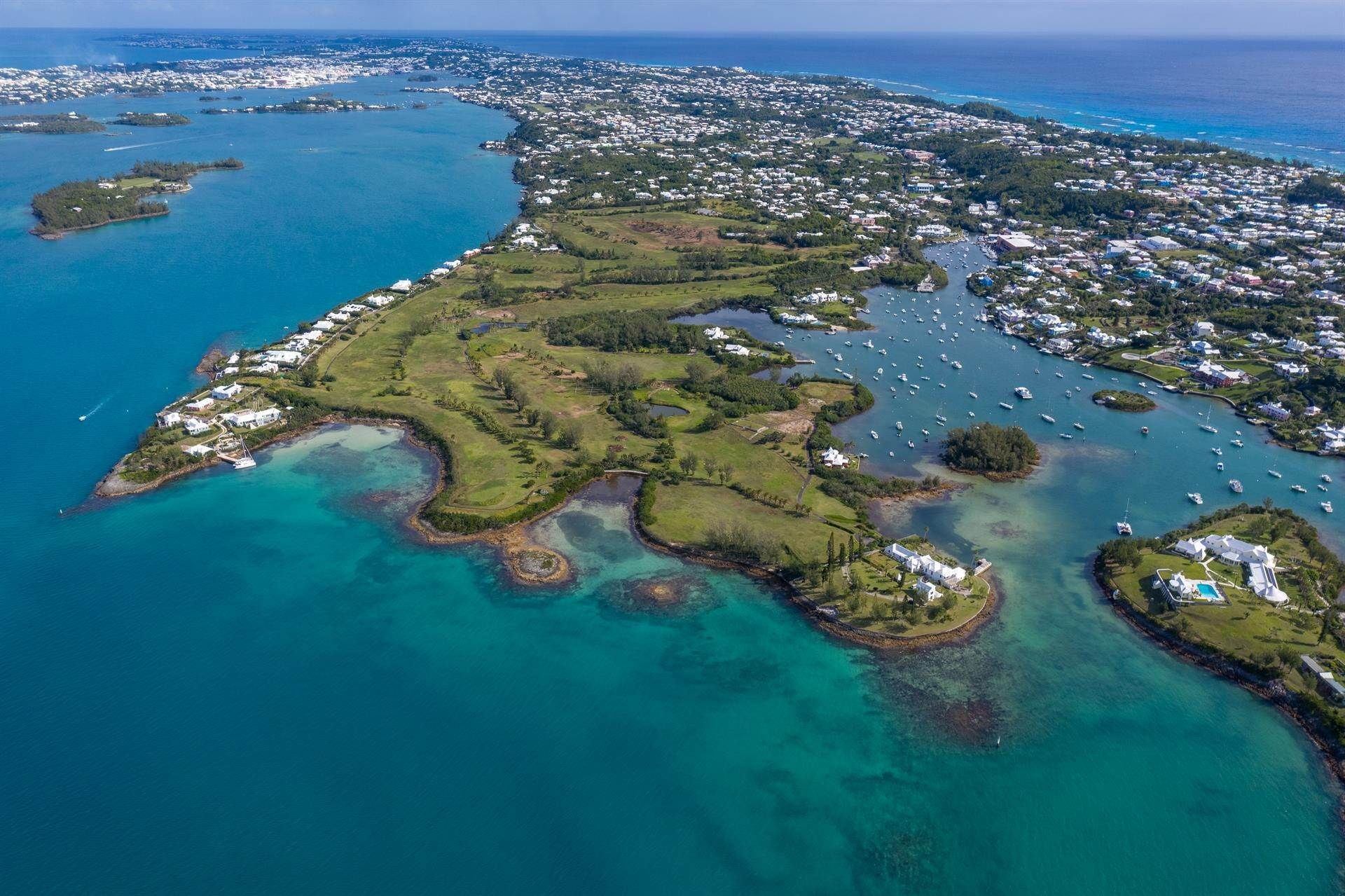 32. Residencia por un Venta en Windsong House Windsong House, 15 Fairways Road,Bermuda – Sinclair Realty