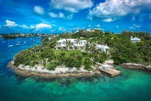 Propriedade do Waterfront para Venda às Seaforth & Salt Box On Hamilton Harbour Seaforth & Salt Box On Hamilton Harbour, 7 & 9 Lulworth Lane,Bermuda – Sinclair Realty