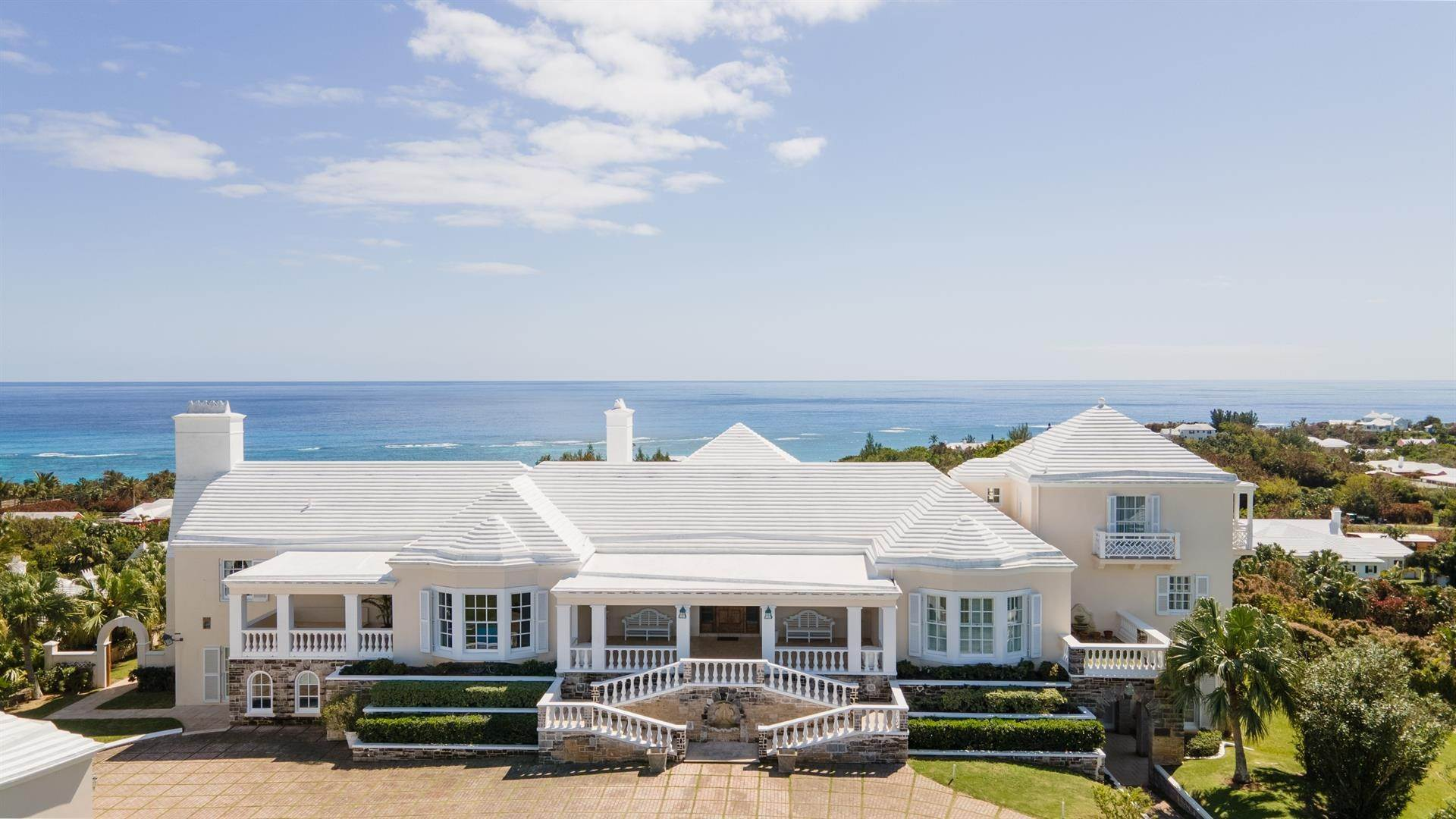 6. Aan het strand Property voor Verkoop op Chelston on Grape Bay Beach Chelston on Grape Bay Beach, 12 Grape Bay Drive,Bermuda – Sinclair Realty