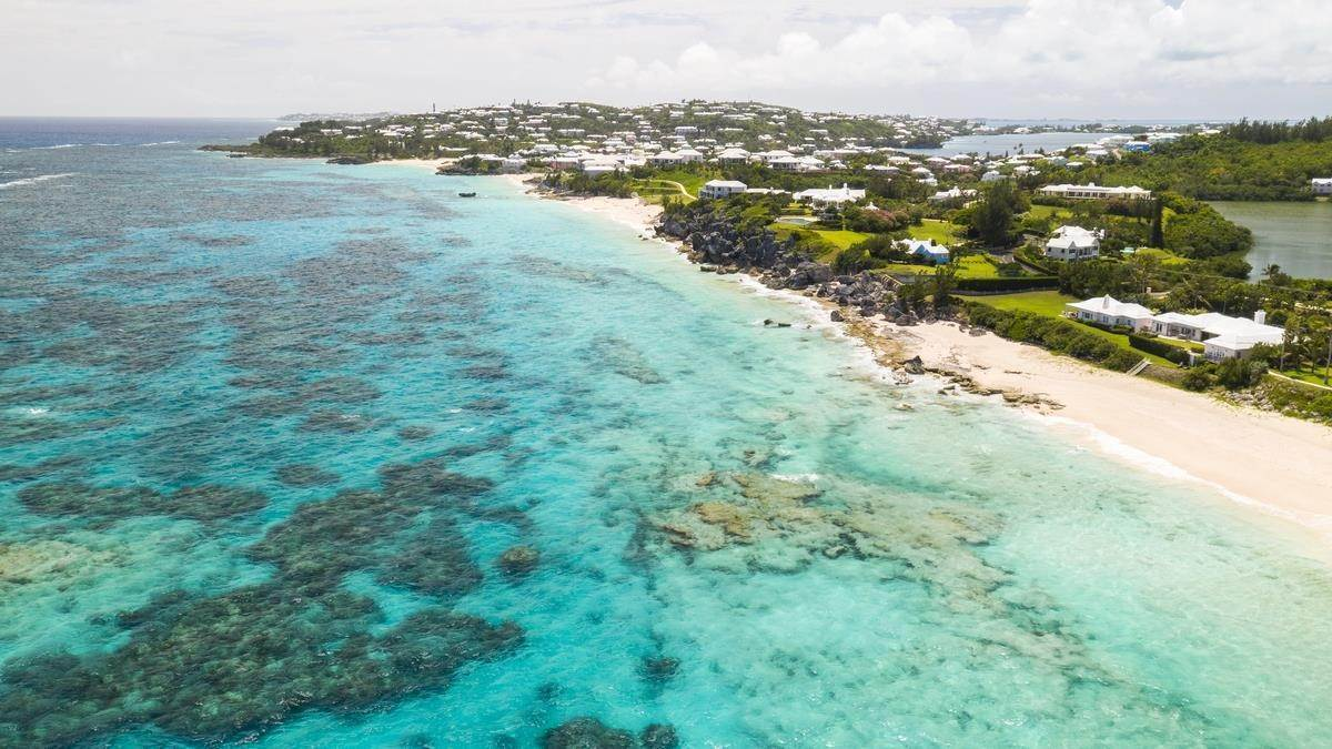 7. Mark för Försäljning vid Prime Beachfront Homesite In Tucker's Town Prime Beachfront Homesite In Tucker's Town, 18 South Road,Bermuda – Sinclair Realty