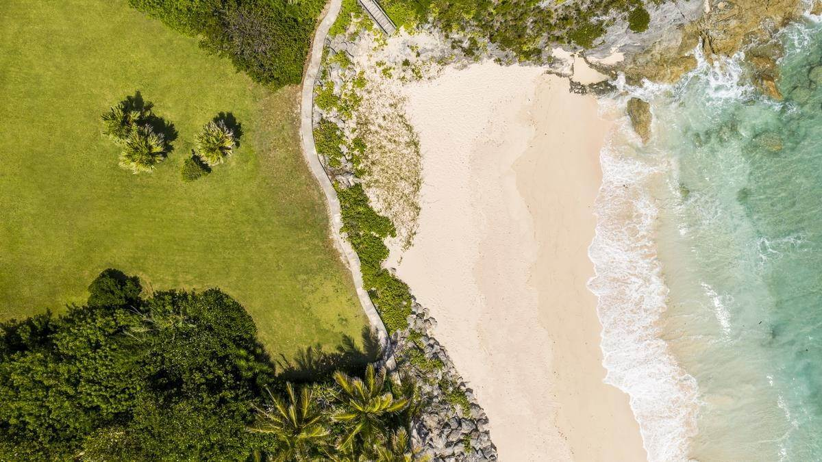 1. Mark för Försäljning vid Prime Beachfront Homesite In Tucker's Town Prime Beachfront Homesite In Tucker's Town, 18 South Road,Bermuda – Sinclair Realty