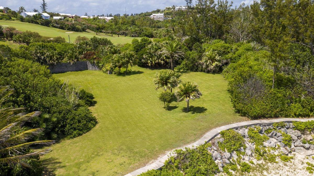 4. Mark för Försäljning vid Prime Beachfront Homesite In Tucker's Town Prime Beachfront Homesite In Tucker's Town, 18 South Road,Bermuda – Sinclair Realty