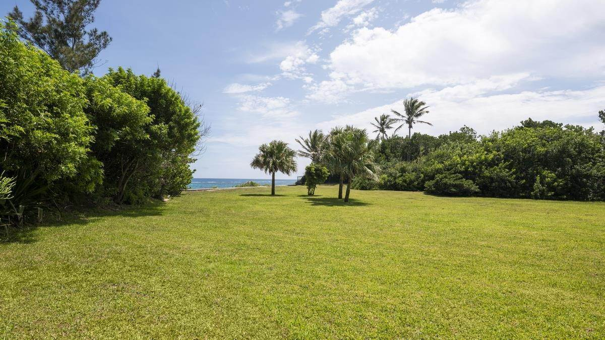 3. Mark för Försäljning vid Prime Beachfront Homesite In Tucker's Town Prime Beachfront Homesite In Tucker's Town, 18 South Road,Bermuda – Sinclair Realty