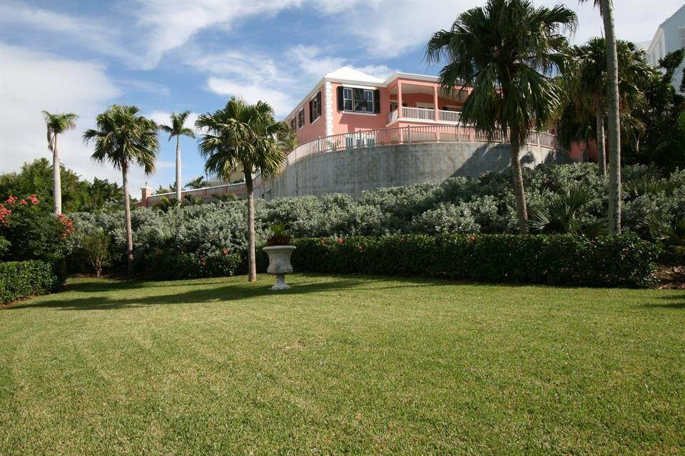 Single Family Homes for Sale at Ship's Hill Estate Home At Rosewood Tucker's Point Ship's Hill Estate Home At Rosewood Tucker's Point, 27 Ship's Hill,Bermuda – Sinclair Realty