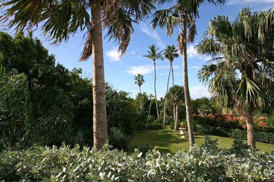 9. Single Family Homes for Sale at Ship's Hill Estate Home At Rosewood Tucker's Point Ship's Hill Estate Home At Rosewood Tucker's Point, 27 Ship's Hill,Bermuda – Sinclair Realty