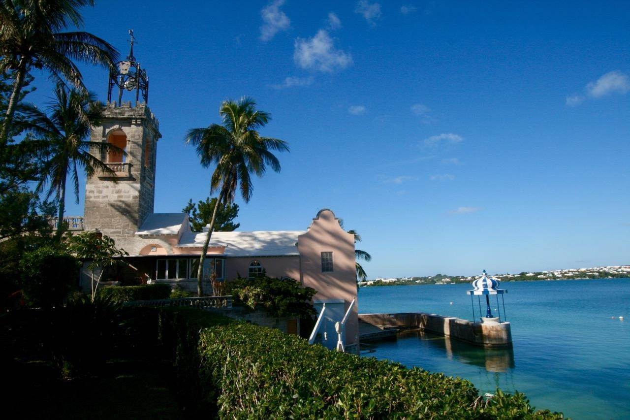 2. Condominiums のために 売買 アット The Boat House On Harrington Sound The Boat House On Harrington Sound, 7 Harrington Sound Road,Bermuda – Sinclair Realty
