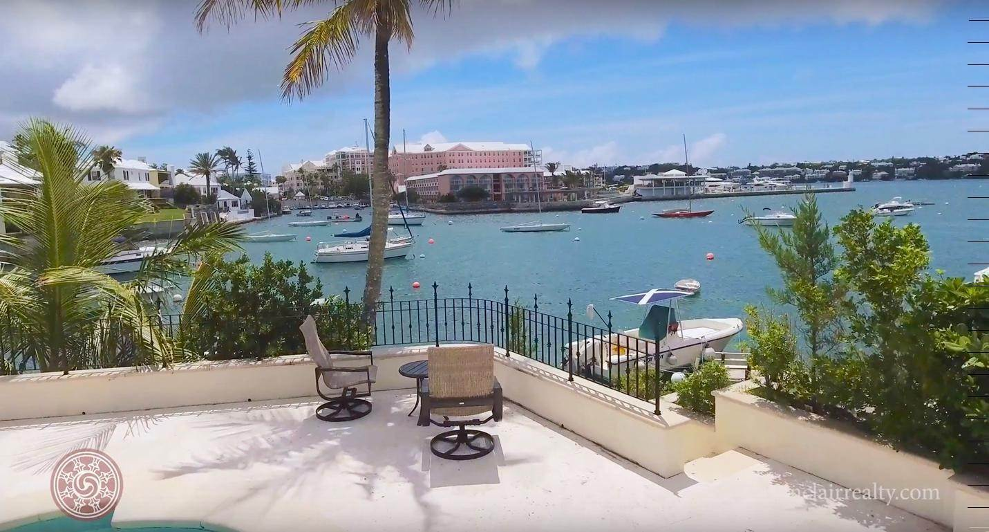 5. Waterfront Property pour l Vente à Edgewater: Elegant Villa On Hamilton Harbour Edgewater: Elegant Villa On Hamilton Harbour, 5 Old Slip Lane,Bermuda – Sinclair Realty