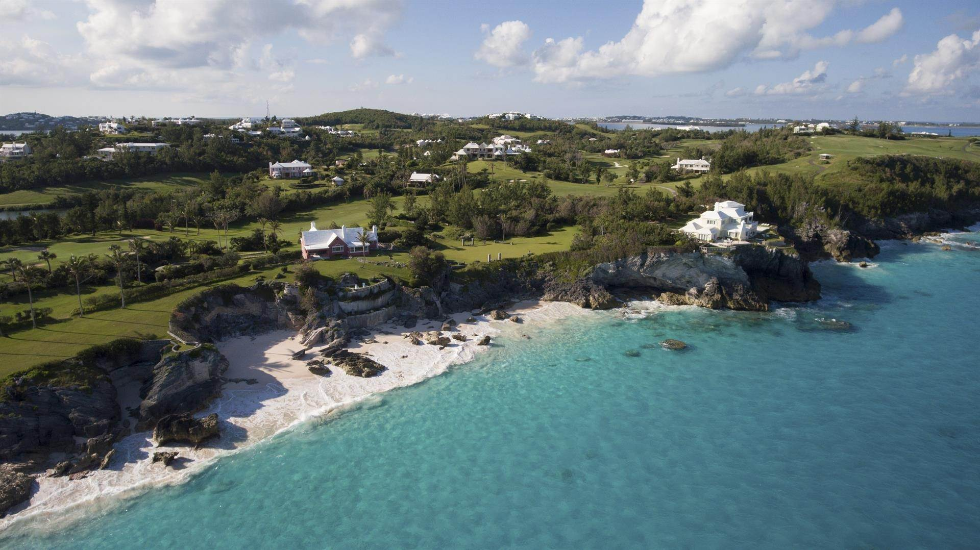 27. 庄园,地产 为 销售 在 Roughill In Tucker's Town Roughill In Tucker's Town, 6 Long Lane,Bermuda – Sinclair Realty