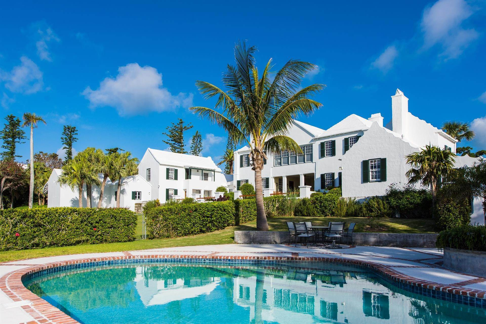 2. Residência para Venda às Bellevue Estate At Grape Bay Beach Bellevue Estate At Grape Bay Beach, 6 Bellevue Drive,Bermuda – Sinclair Realty