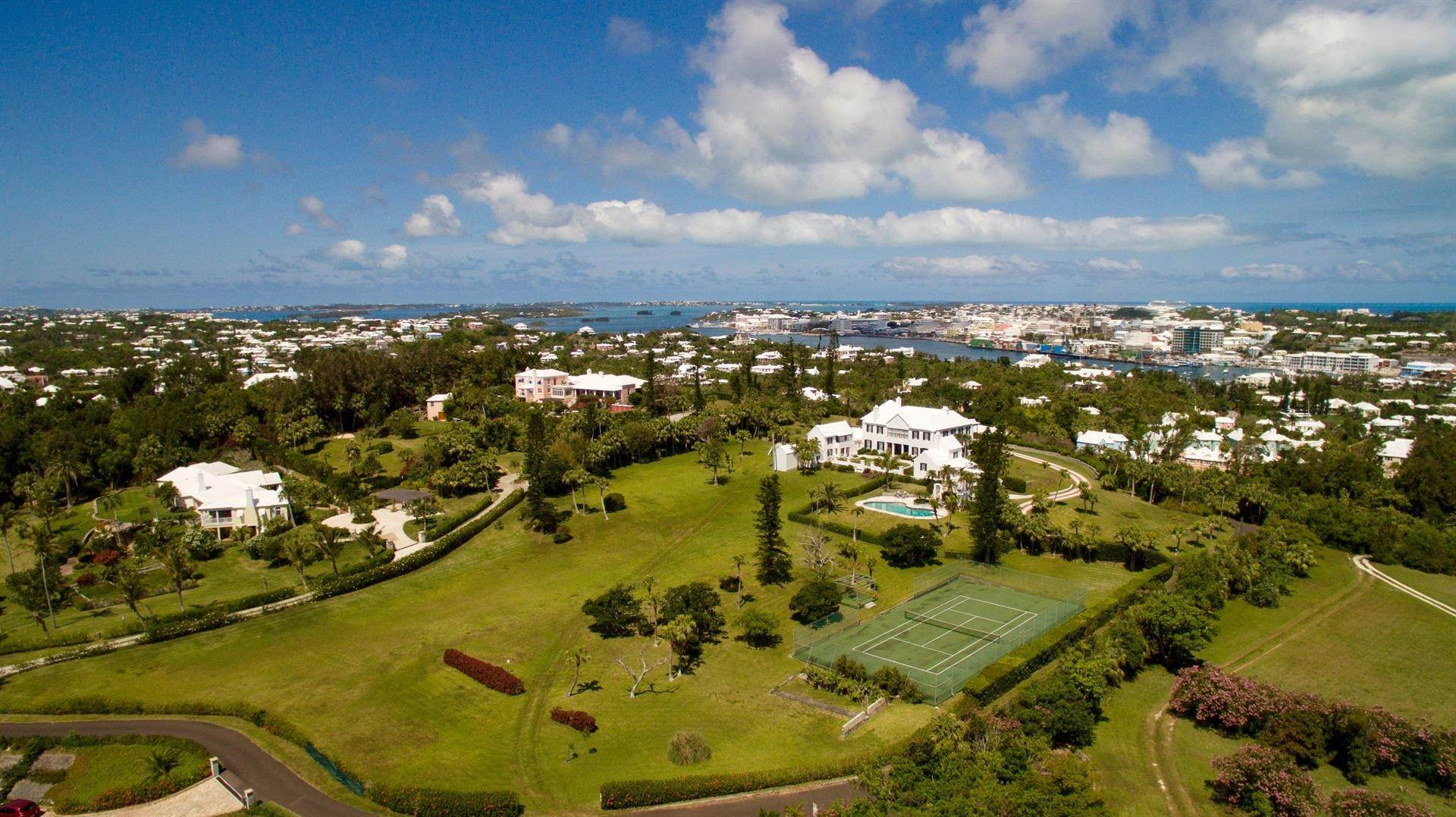 3. 庄园,地产 为 销售 在 Bellevue Estate At Grape Bay Beach Bellevue Estate At Grape Bay Beach, 6 Bellevue Drive,Bermuda – Sinclair Realty