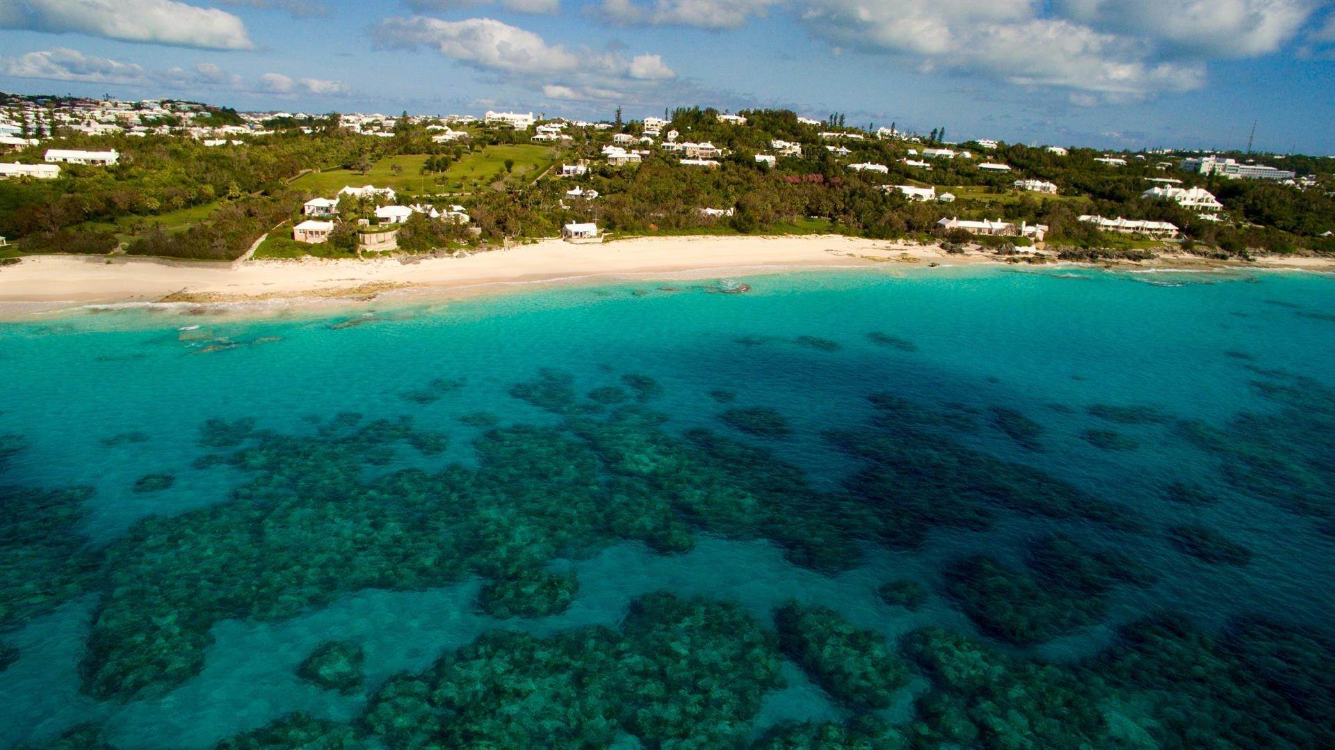 7. Tenuta per Vendita alle ore Bellevue Estate At Grape Bay Beach Bellevue Estate At Grape Bay Beach, 6 Bellevue Drive,Bermuda – Sinclair Realty
