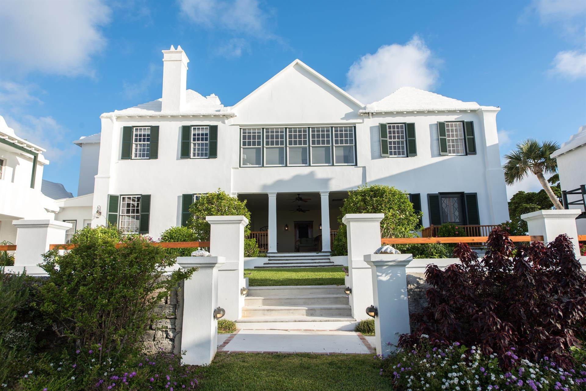 21. 庄园,地产 为 销售 在 Bellevue Estate At Grape Bay Beach Bellevue Estate At Grape Bay Beach, 6 Bellevue Drive,Bermuda – Sinclair Realty