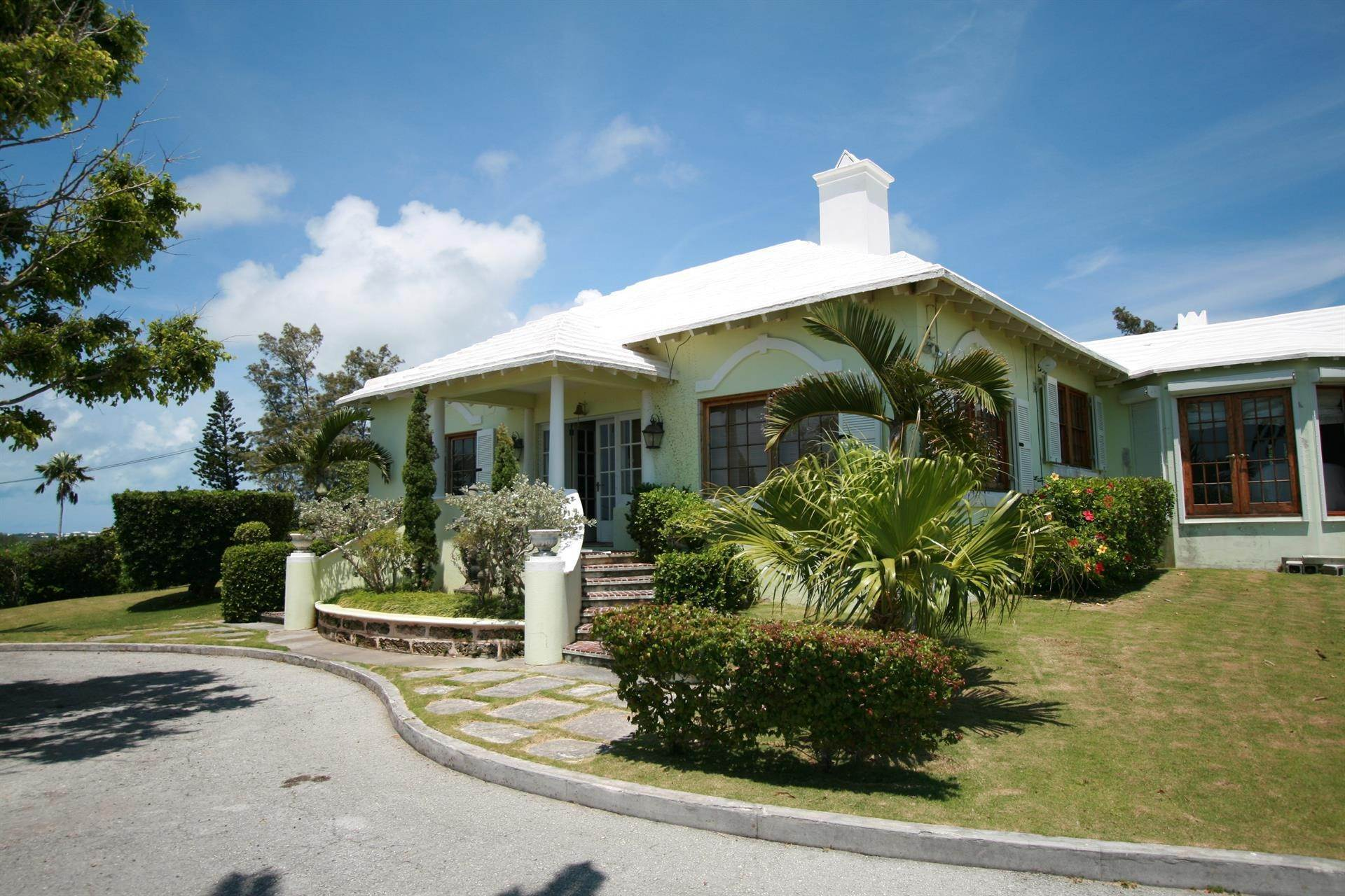 12. Vid Vattnet för Försäljning vid Heron Hill On The Great Sound Heron Hill On The Great Sound, 31 Riddell's Bay Road,Bermuda – Sinclair Realty