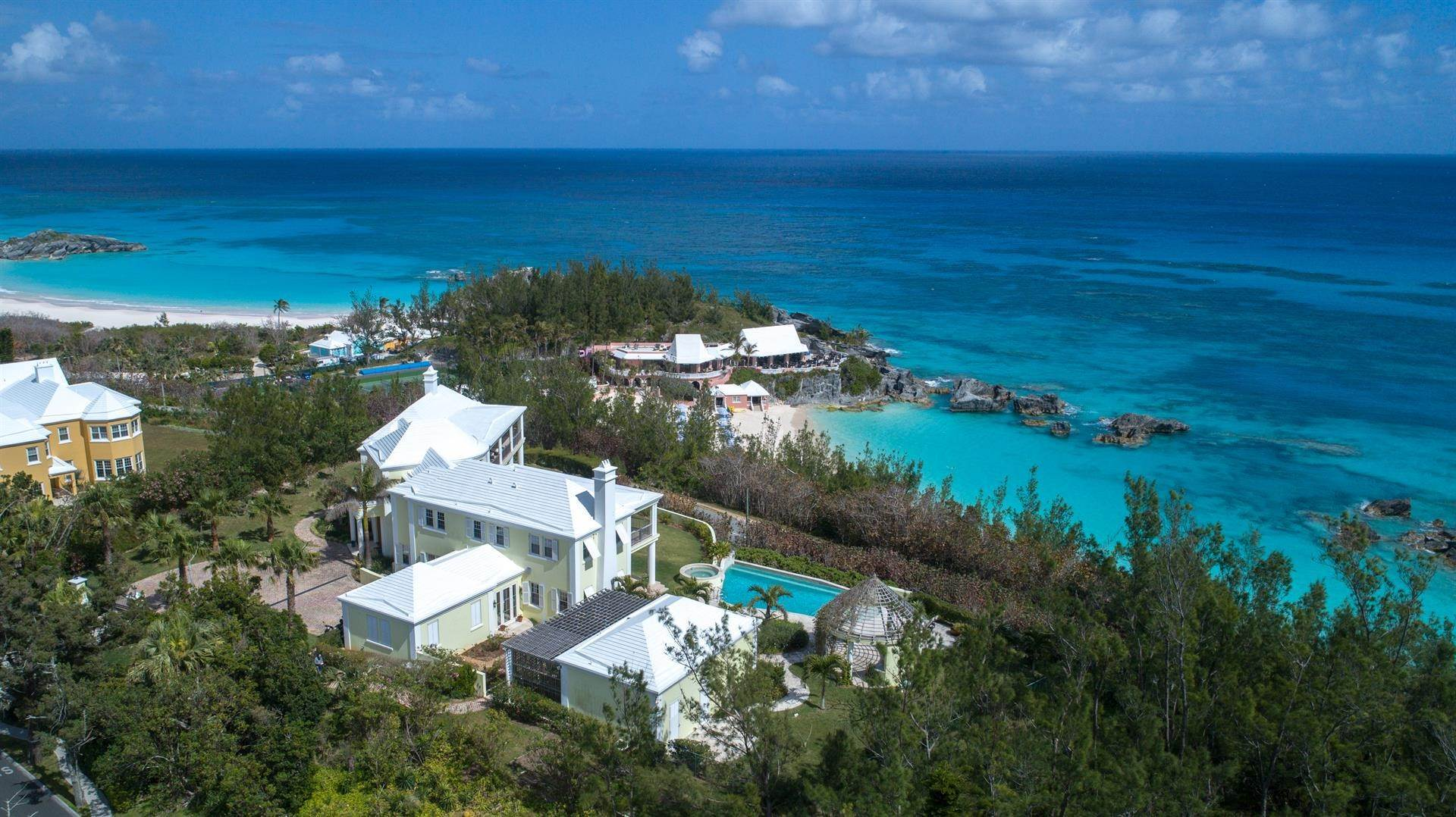 3. Single Family Homes için Satış at Duamber At The Fairmont Southampton Duamber At The Fairmont Southampton, 119 Harbour View Drive,Bermuda – Sinclair Realty