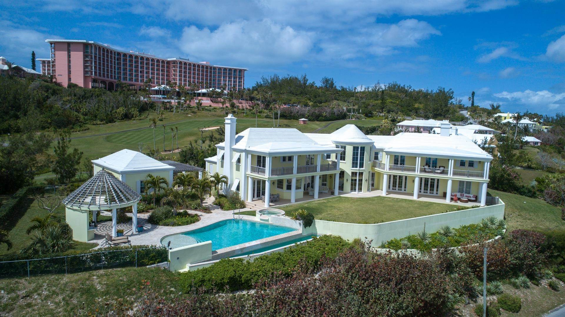 4. Single Family Homes için Satış at Duamber At The Fairmont Southampton Duamber At The Fairmont Southampton, 119 Harbour View Drive,Bermuda – Sinclair Realty