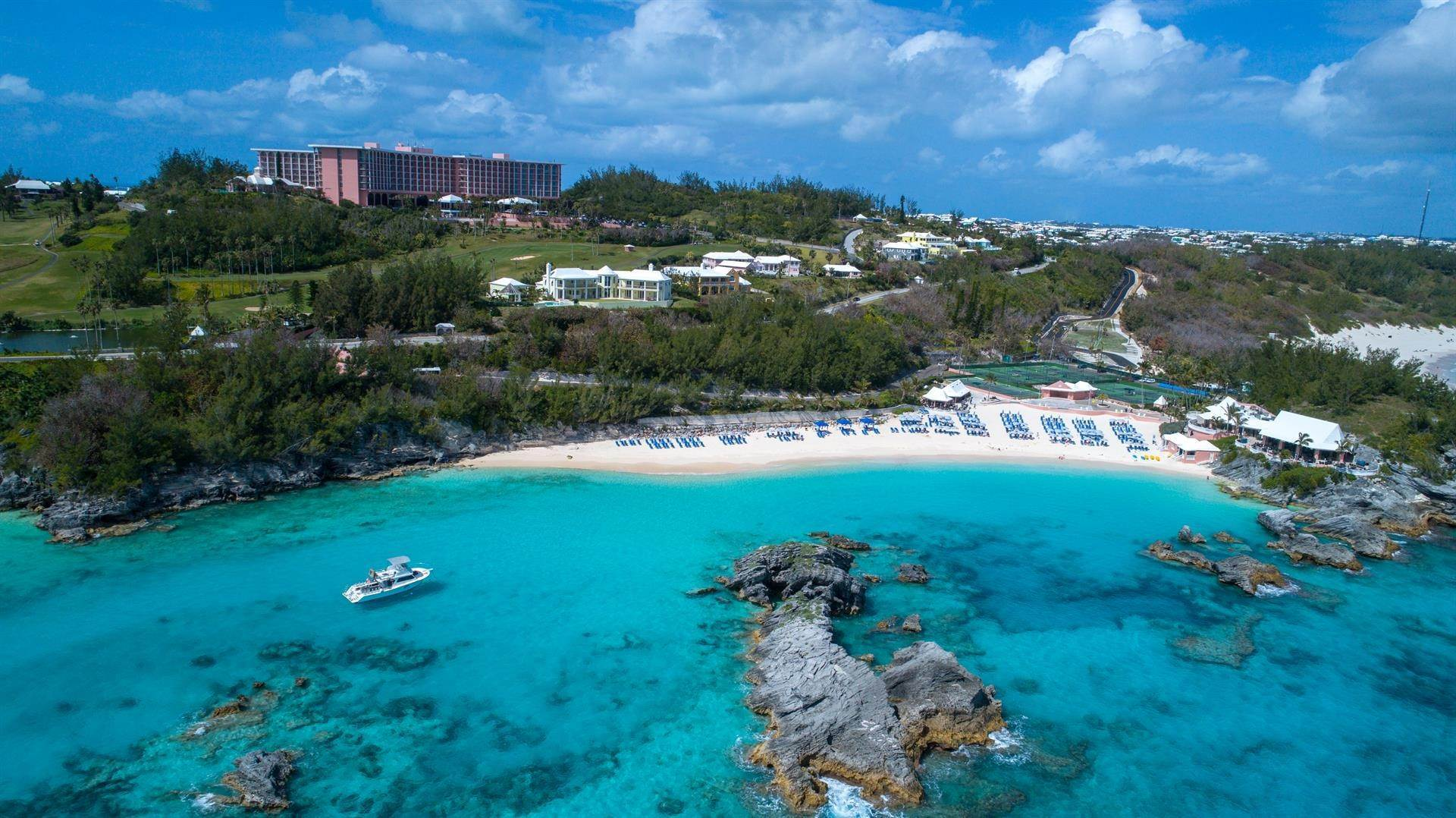 5. Single Family Homes için Satış at Duamber At The Fairmont Southampton Duamber At The Fairmont Southampton, 119 Harbour View Drive,Bermuda – Sinclair Realty