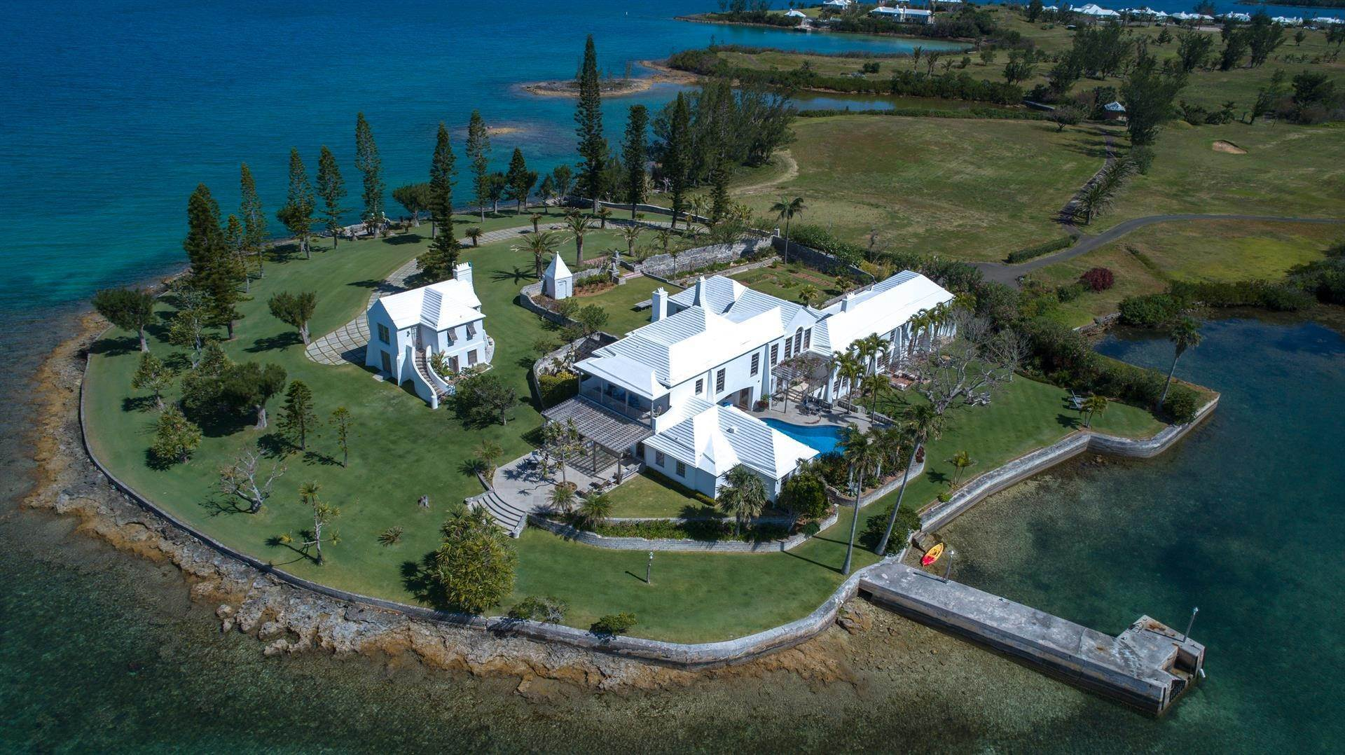 3. Residencia por un Venta en Windsong House Windsong House, 15 Fairways Road,Bermuda – Sinclair Realty