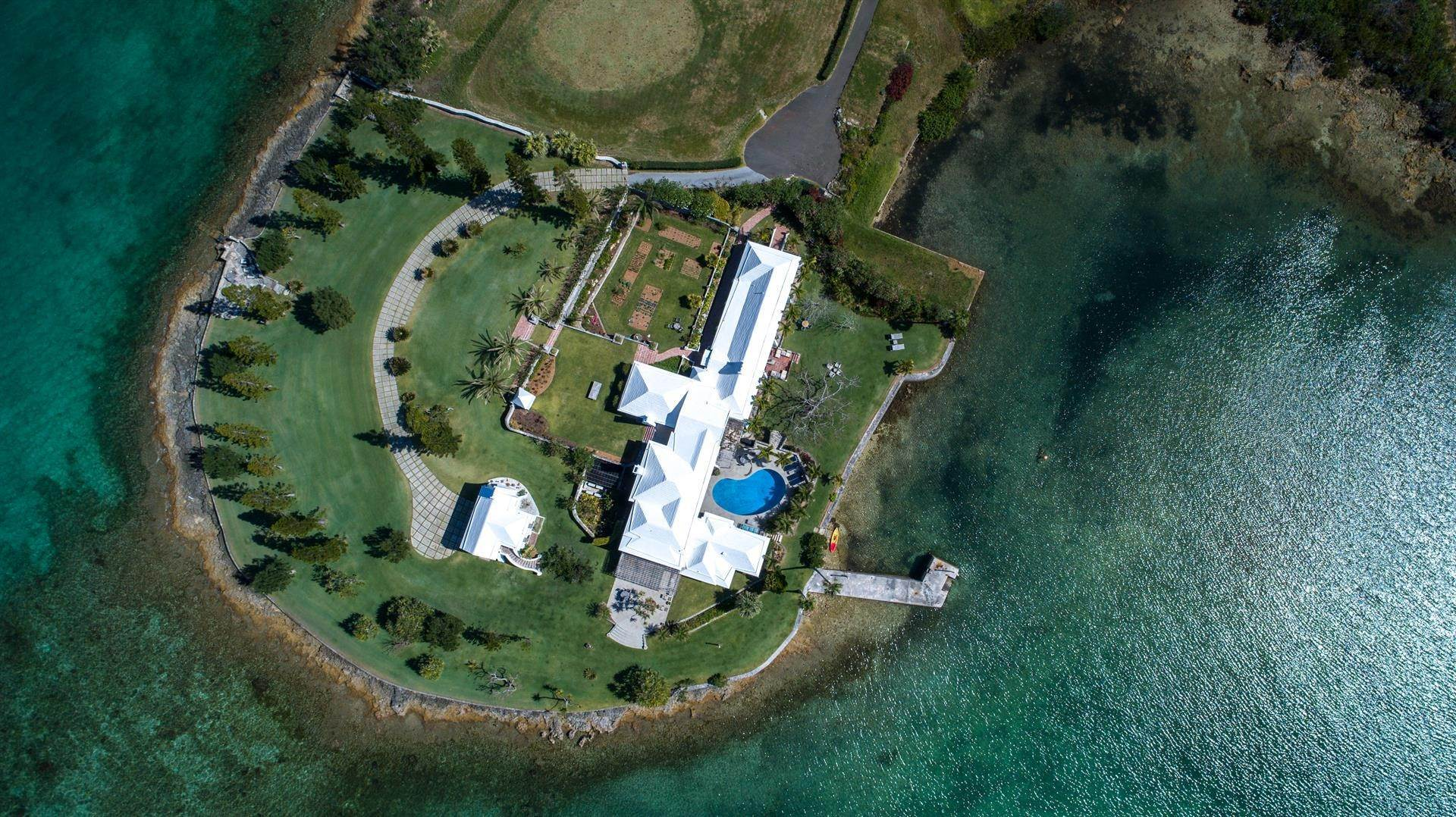 30. Residencia por un Venta en Windsong House Windsong House, 15 Fairways Road,Bermuda – Sinclair Realty