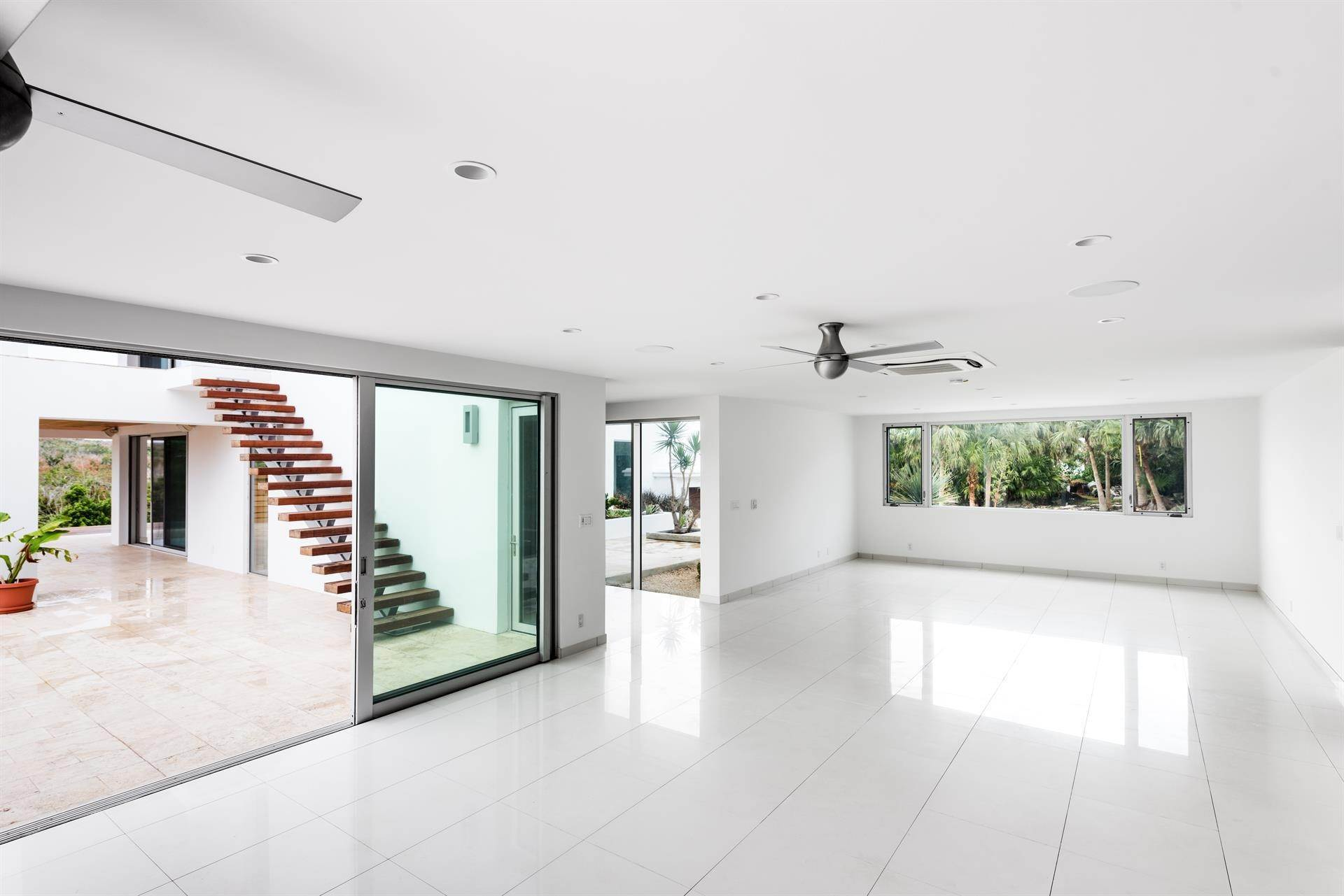13. Single Family Homes 为 销售 在 Georgetown - Bermuda's Modern House Georgetown - Bermuda's Modern House, 50A Harrington Sound Road,Bermuda – Sinclair Realty