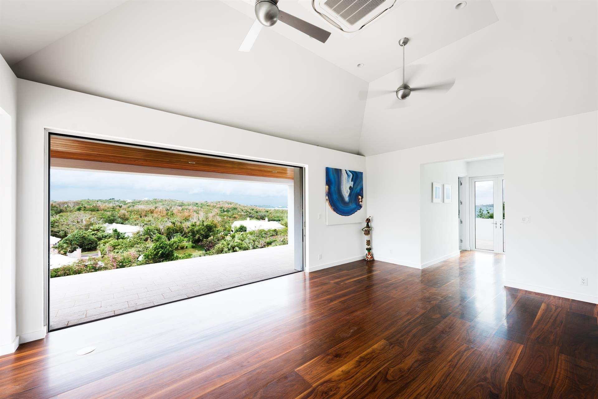 20. Single Family Homes 为 销售 在 Georgetown - Bermuda's Modern House Georgetown - Bermuda's Modern House, 50A Harrington Sound Road,Bermuda – Sinclair Realty