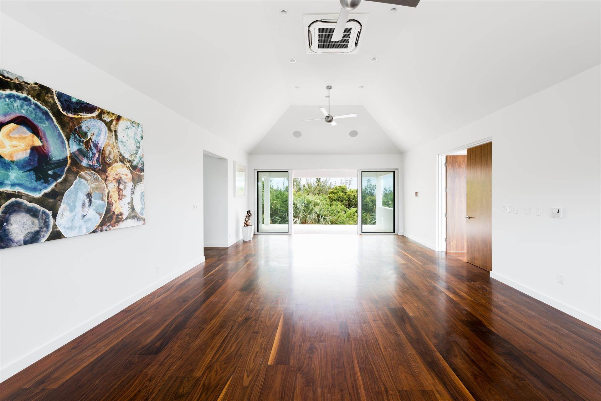 22. Single Family Homes 为 销售 在 Georgetown - Bermuda's Modern House Georgetown - Bermuda's Modern House, 50A Harrington Sound Road,Bermuda – Sinclair Realty
