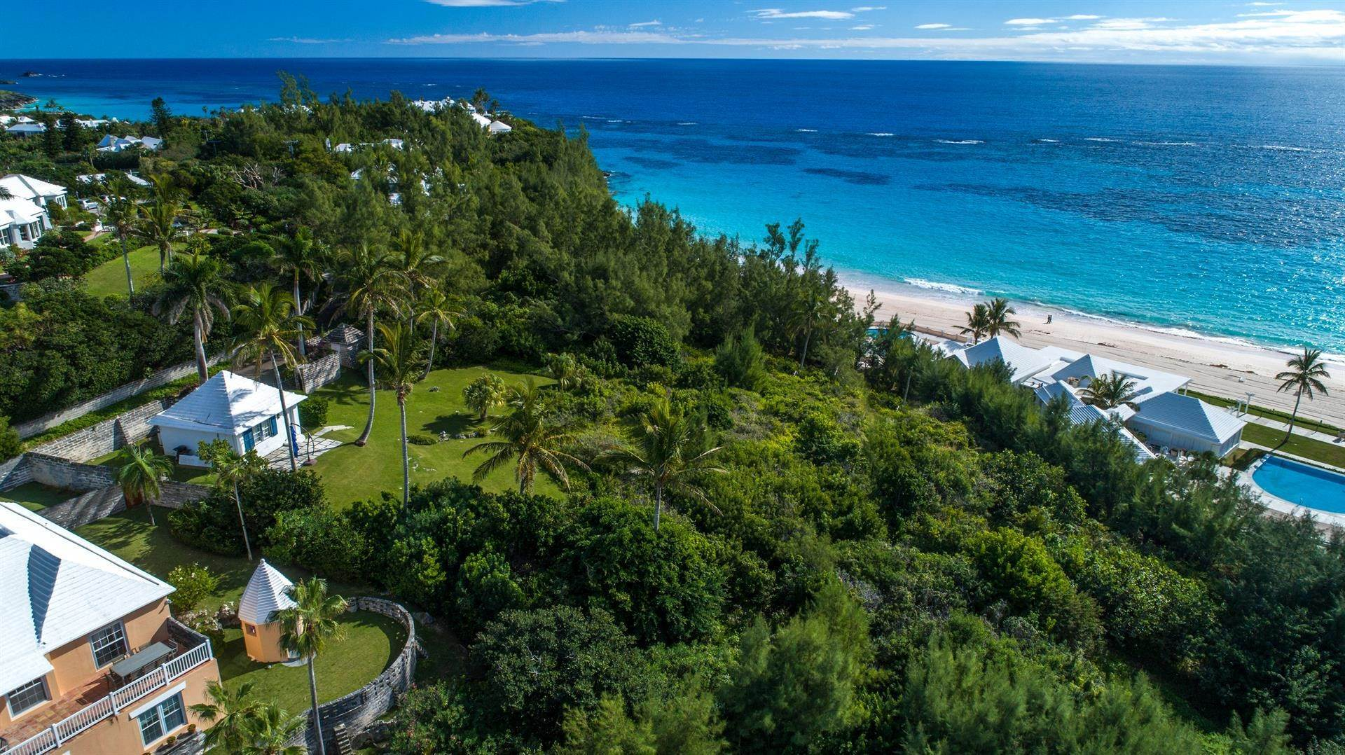 6. Single Family Homes for Sale at Playhouse In Tucker's Town Playhouse In Tucker's Town, 4 Shore Lane,Bermuda – Sinclair Realty